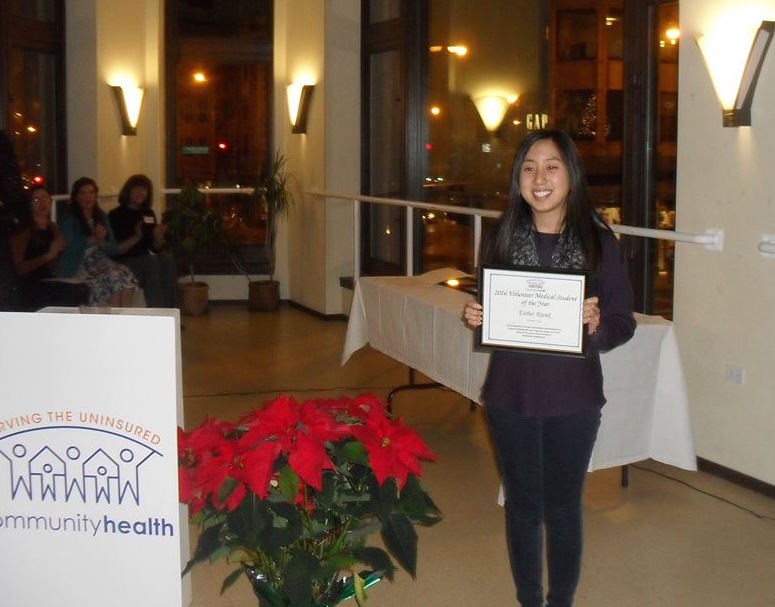 Esther Kwak, a second-year medical student at the Chicago College of Osteopathic Medicine, received the 2016 Volunteer Medical Student of the Year at the CommunityHealth Clinic.