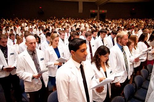 Midwestern University Glendale Az >> White Coat Ceremonies Mark Start Of Professional Careers